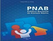 Capa da Política Nacional de Atenção Básica, em cor azul e imagens de três bonecos em vermelho, branco e azul.